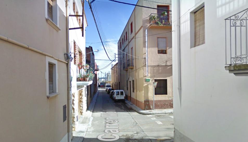 Un dels pous inspeccionats es troba en una finca del carrer Molí, propietat de l'àvia del sospitós.