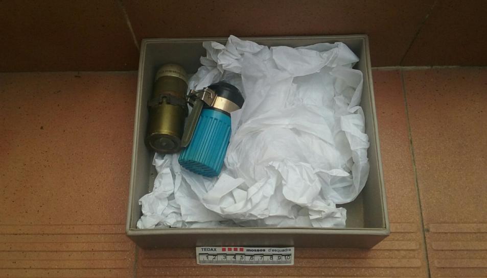 Imatge de les granades trobades en un pis de Salou.