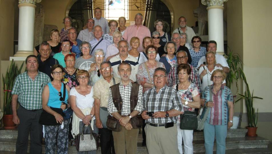 Fotografia de família dels participants al viatge.