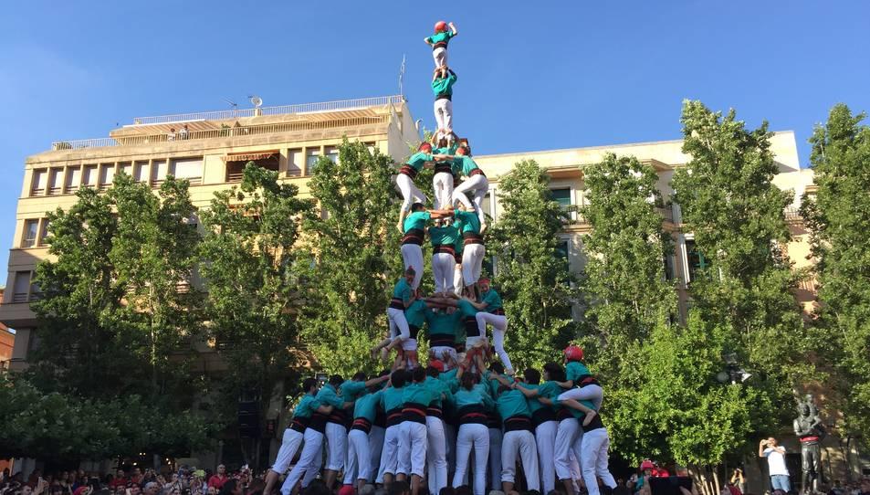 3de9 amb folre i agulla dels Castellers de Vilafranca a la Diada del Pati.