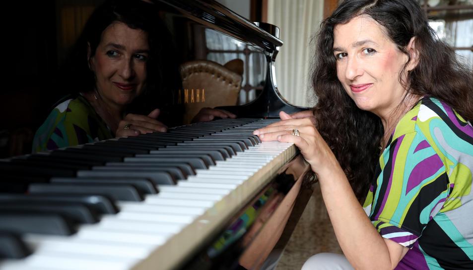 La pianista Diana Baker està al capdavant de l'associació Pianissimo.