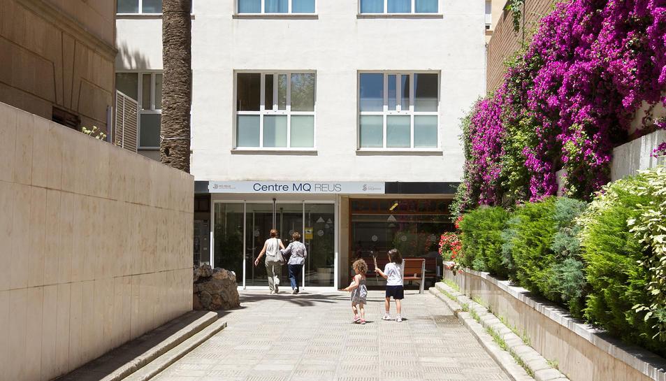 La família Fàbregas rebutja «la deixadesa i l'enfocament» del CMQ i vol que deixi l'antiga clínica.