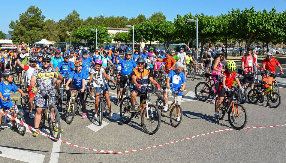 La 14a Bicicletada de diumenge va reunir al voltant de 300 ciclistes.