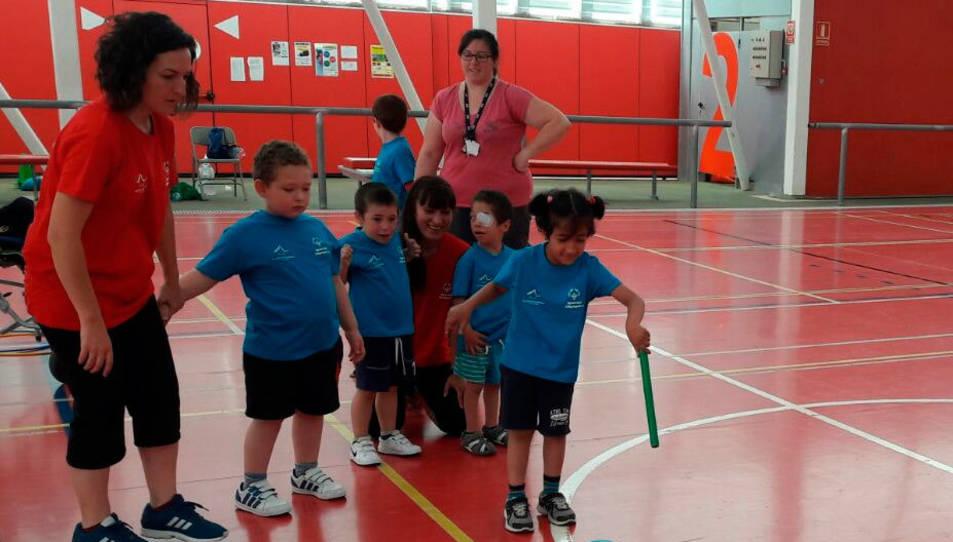 Un grup d'infants durant la jornada de cloenda, que ha tingut lloc aquest dilluns al polilleuger Ciutat de Reus.