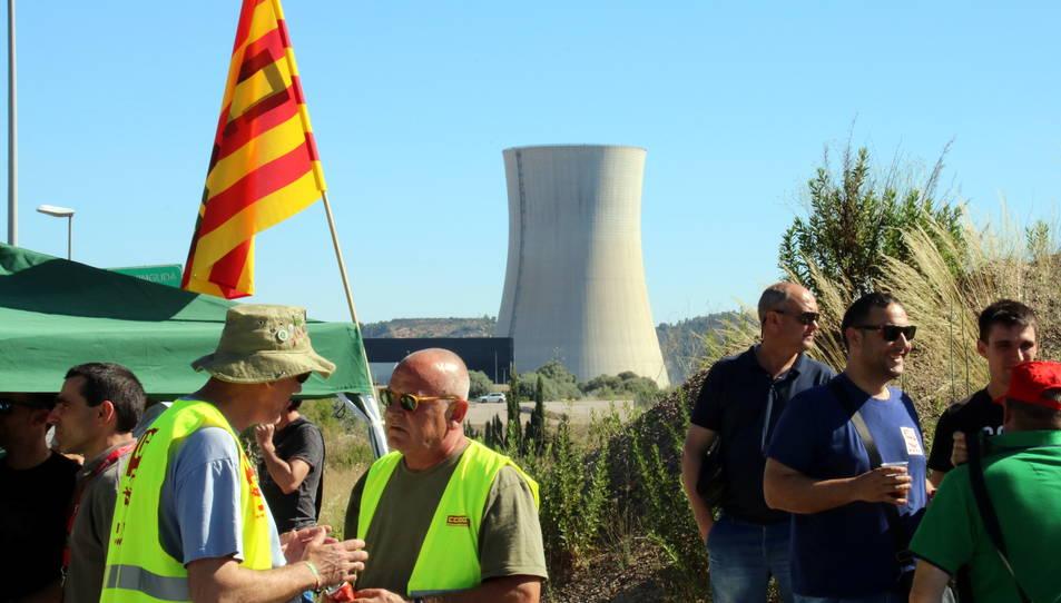 Imatge d'arxiu d'alguns participants a la vaga del passat dimarts 13 de juny a Ascó.
