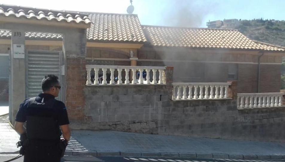 El fuego ha sido causado por dos deflagraciones.