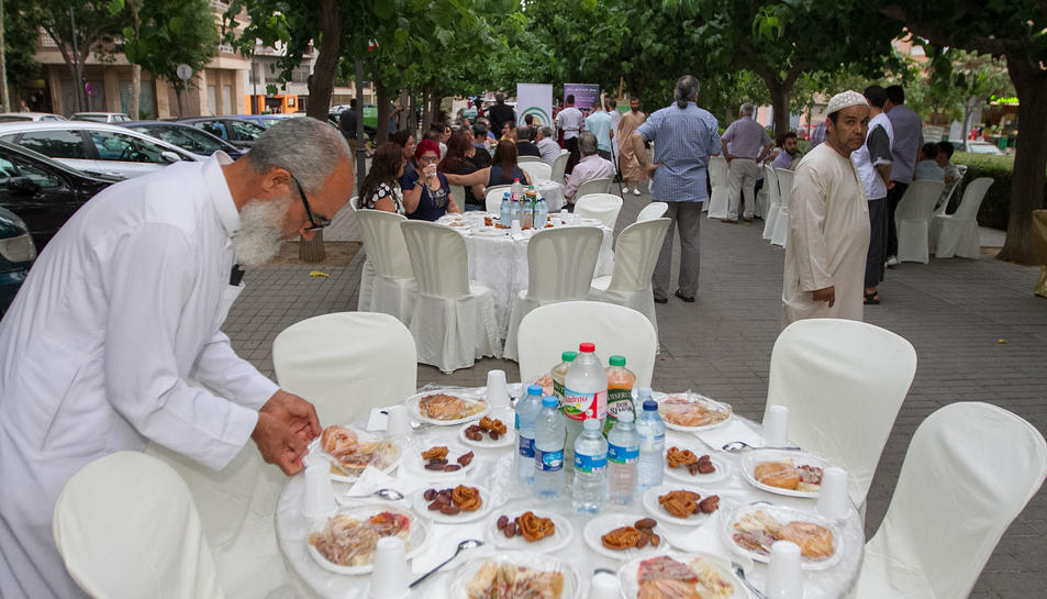 Els musulmans obren el Ramadà als veïns de Reus