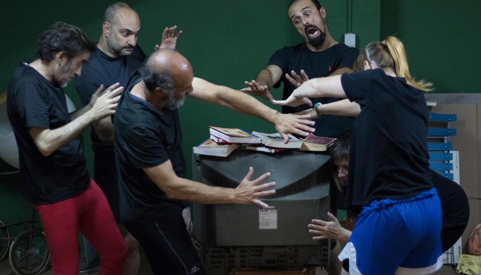 El grup de teatre Zona Zàlata presentarà l'obra 'Cultura, Kultura, Mixtura'.