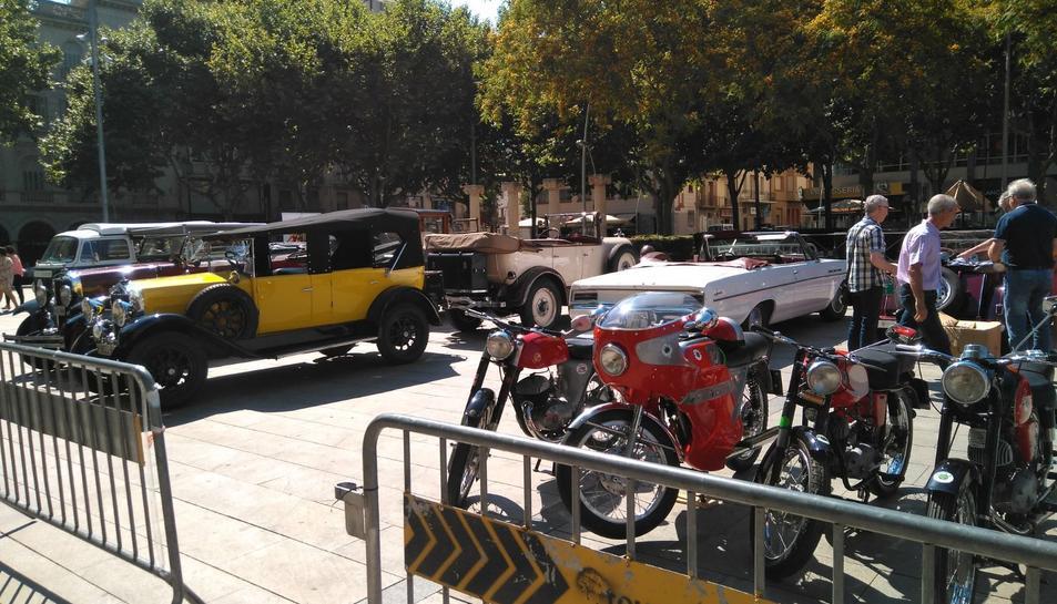 Vehicles d'època a Reus