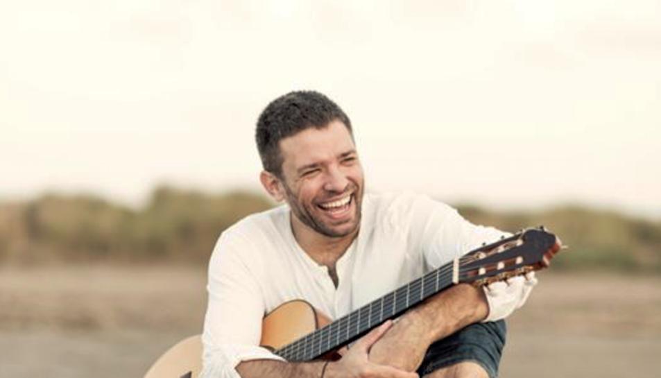 El cantant ebrenc Joan Rovira oferirà un concert gratuït i de caire familiar a la plaça de la Pagesia de Tarragona.