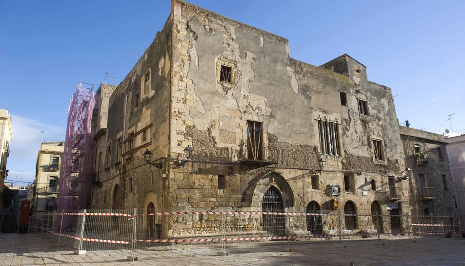 Imatge d'arxiu de Ca l'Ardiaca, abans que s'instal·lés una lona que impedeix veure l'edifici.