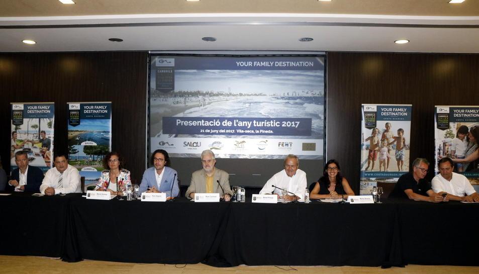 Pla general de la roda de premsa dels principals representants del sector turístic de la Costa Daurada. Imatge del 21 de juny del 2017