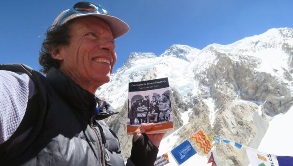 L'alpinista durant l'expedició.