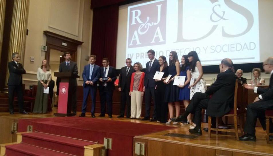 L'acte de lliurament dels premis va tenir lloc ahir dimecres a la seu de l'Il·lustre Col·legi d'Advocats de Barcelona.