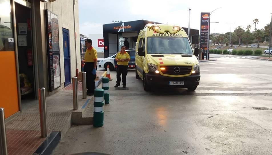 L'atracament es va produir a la gasolinera de Calafell situada a la C-31.