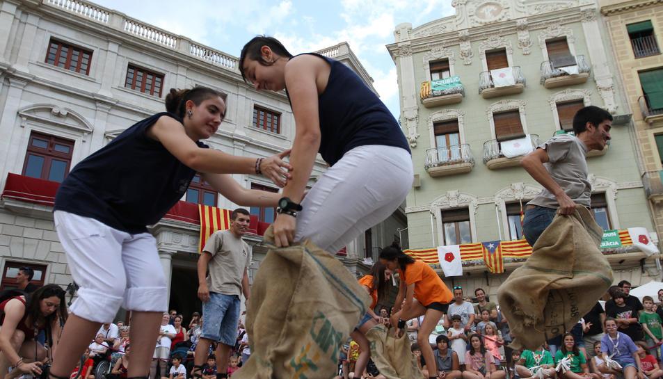 Un moment d'una de les proves realitzades a la plaça del Mercadal.