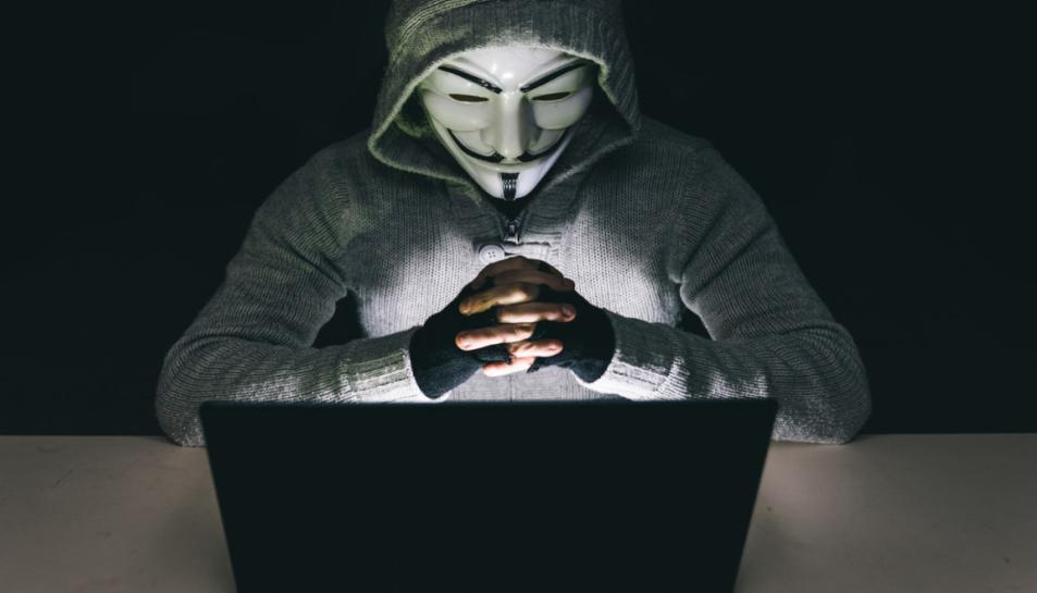 Anonymous és una xarxa internacional d'activistes i hackers.