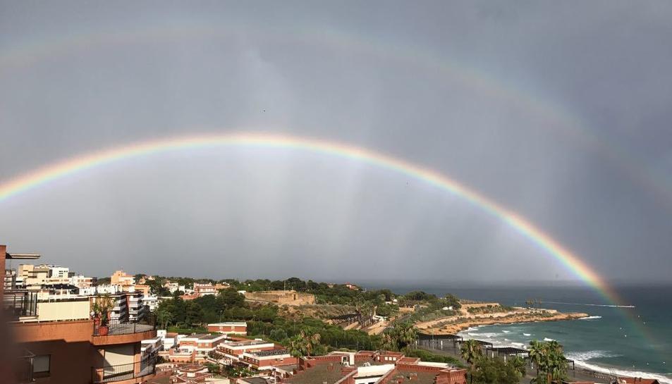 L'arc de Sant Martí que s'ha pogut veure a la ciutat de Tarragona aquest dimecres.