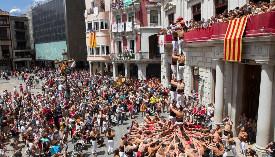 La Diada es va viure amb molta intensitat als diversos focus de festa. Els més petits esperaven les bèsties i personatges, i els grans, les tronades.