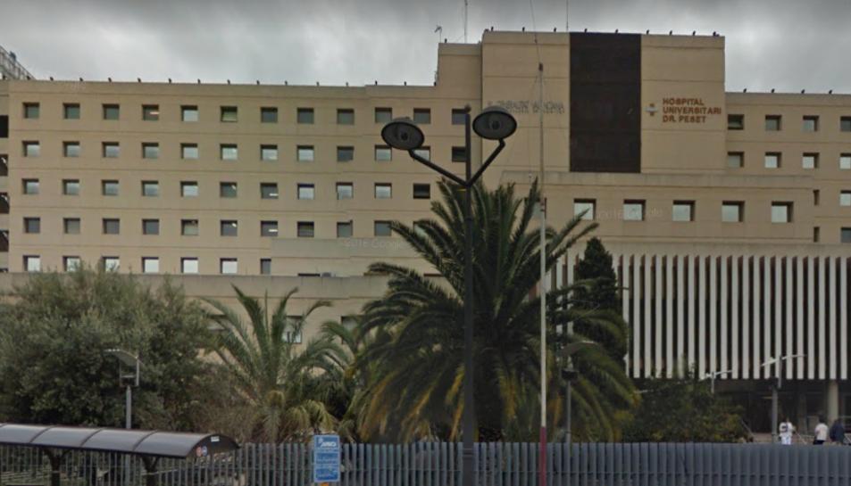 La menor va ser traslladada a l'Hospital DoctorPesetper tal de ser explorada pels metges.