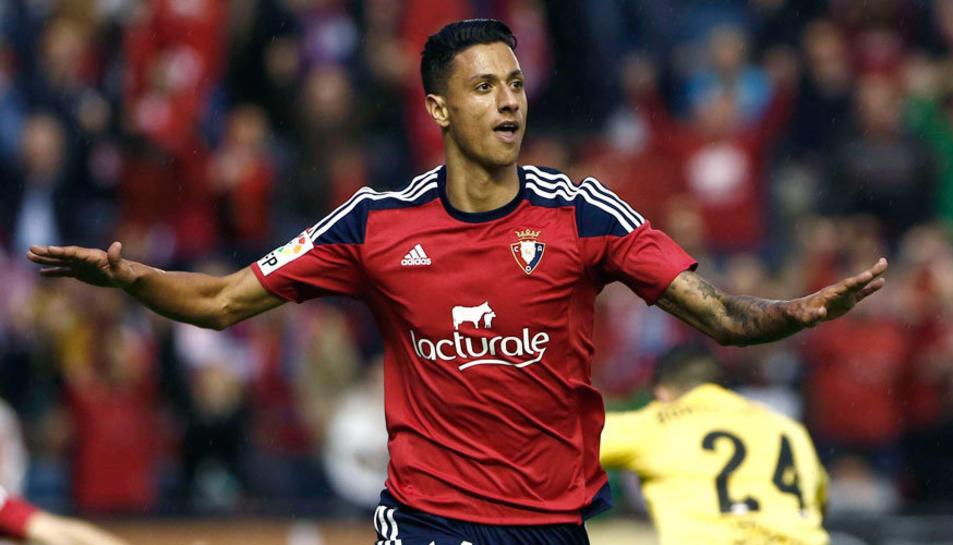 Maikel Mesa, amb la samarreta de l'Osasuna.