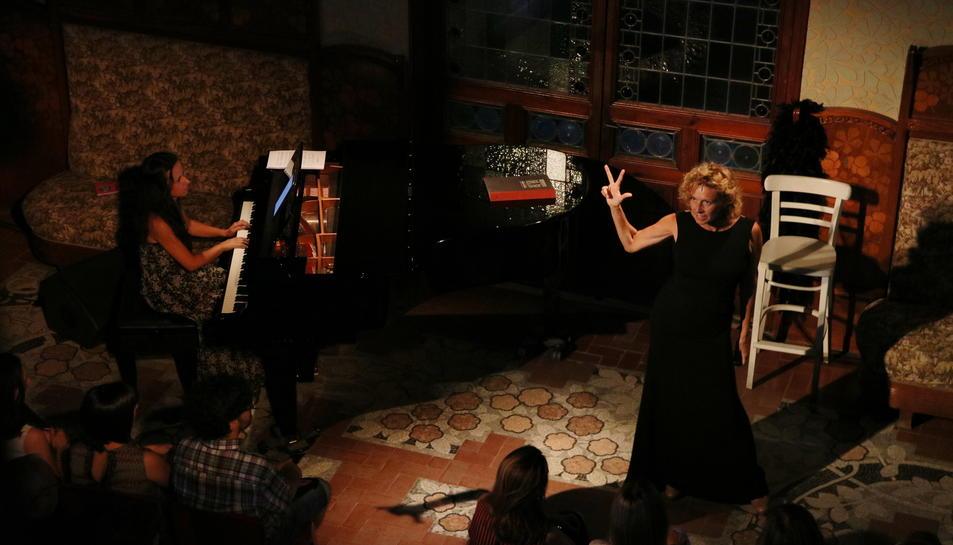 Pla obert, picat, de l'espectacle 'Una nit de musical, d'Àngels Gonyalons. Imatge del 30 de juny de 2017