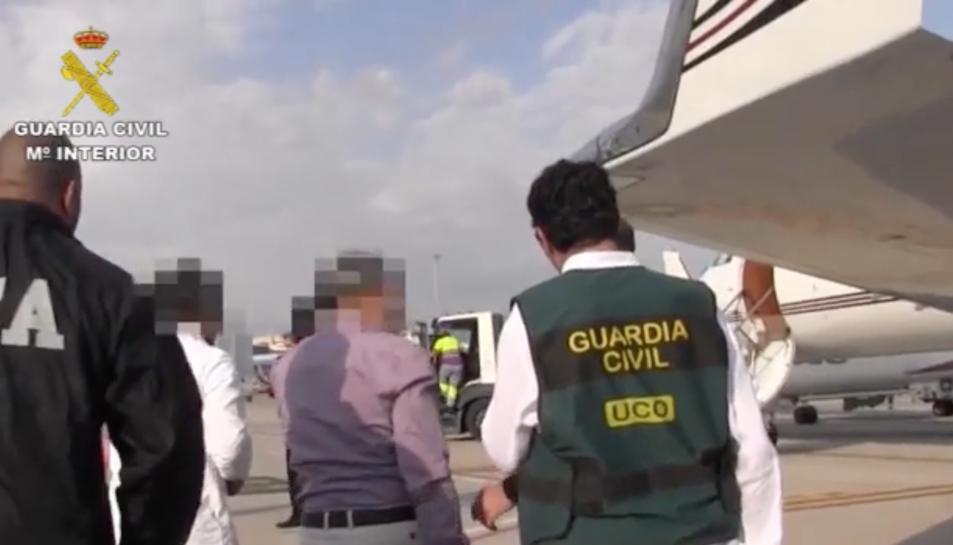 Finalment, el passat 30 de maig, van ser detinguts a Nova York, un equip de l'UCOva participar en la detenció.