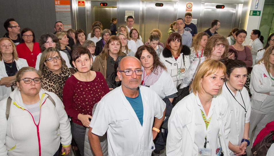 Imatge d'arxiu d'una concentració dels treballadors de l'hospital.