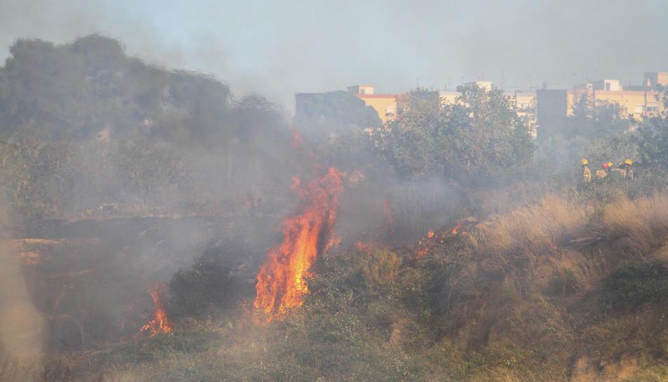 El foc mentre cremava.