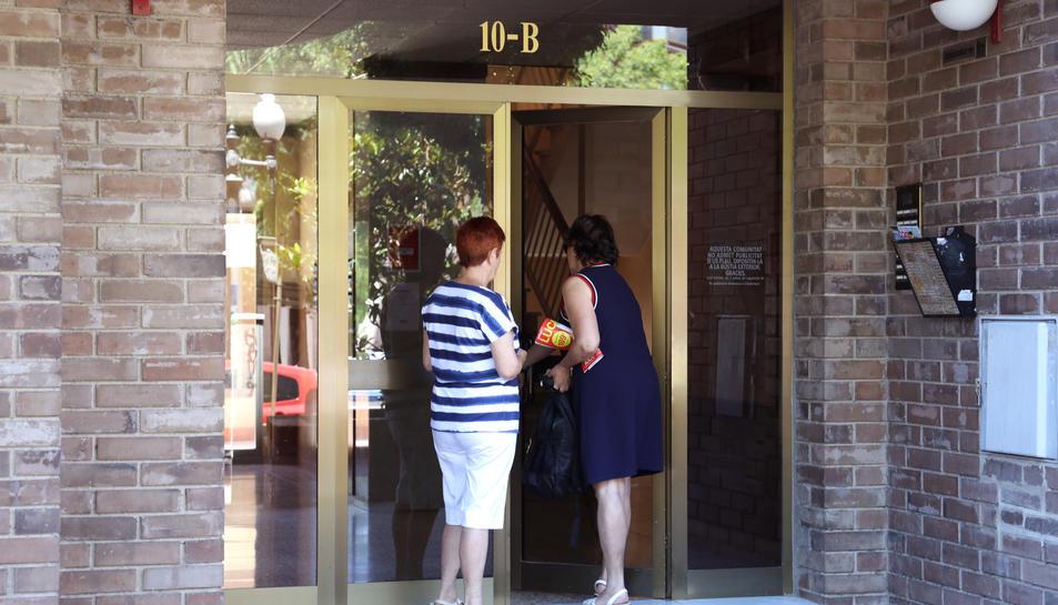 Els lladres van aprofitar que unes de les persones robades havien anat a Barcelona a veure una obra de teatre.