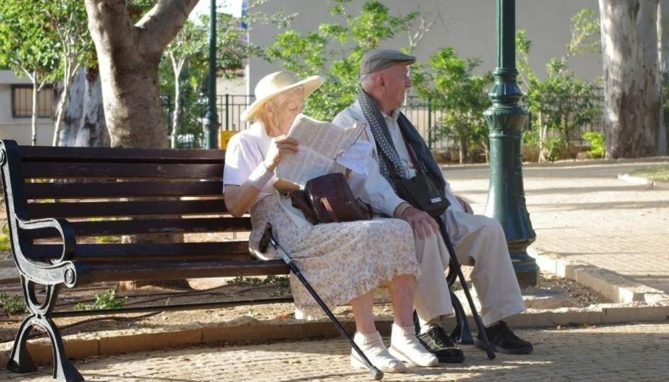 Les pensions cauran fins gairebé la meitat durant les pròximes dècades.