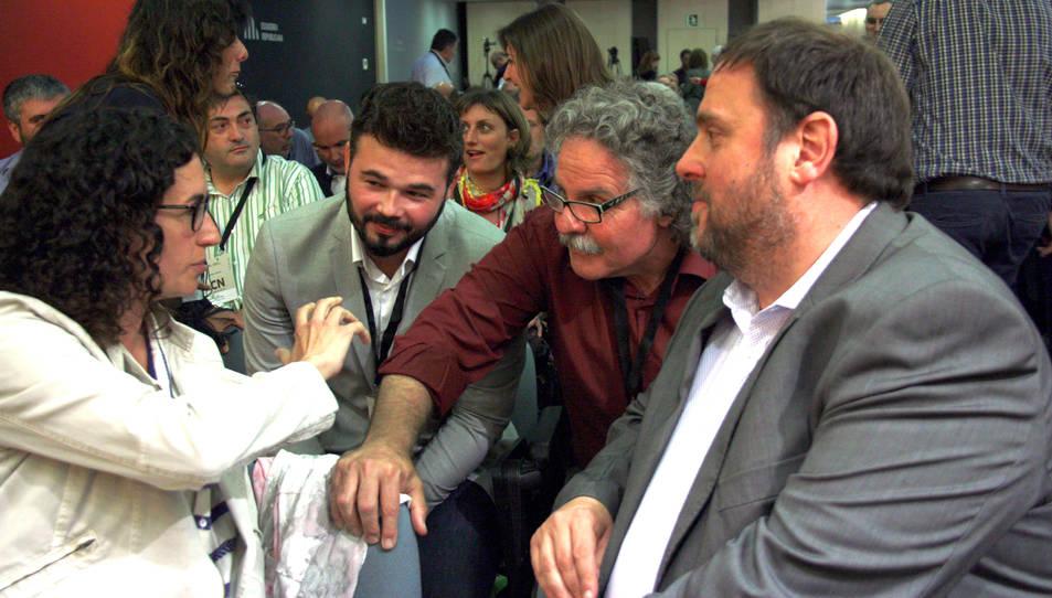 Rovira, Tardà i Junqueras en una imatge d'arxiu, juntament amb Gabriel Rufián.