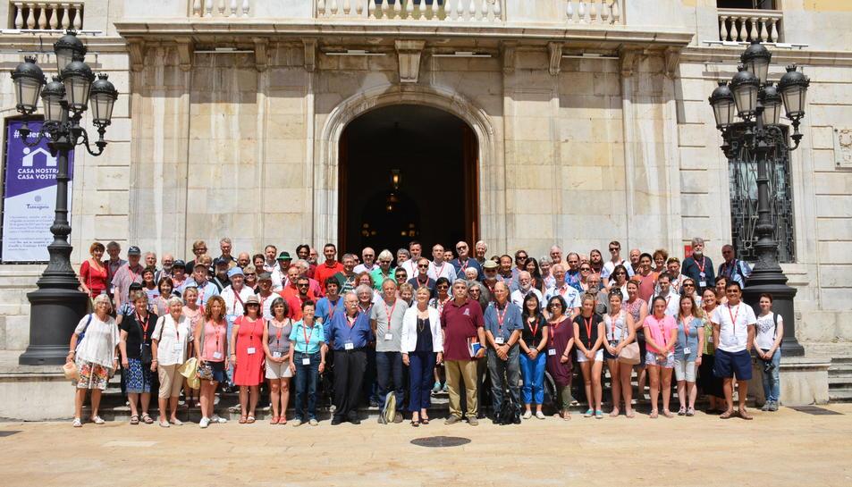 Fotografia de grup dels participants al Congrés Mundial del Carilló