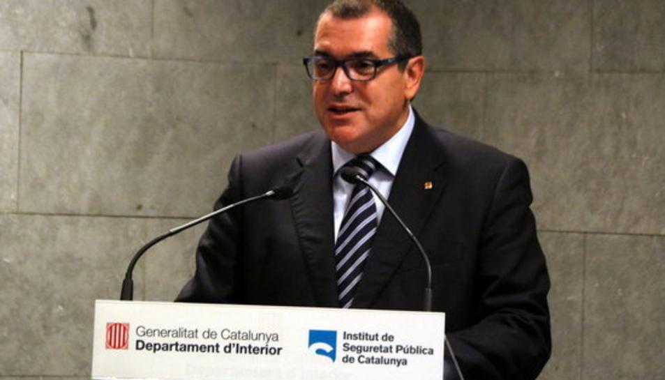 Pla mig del conseller d'Interior, Jordi Jané.