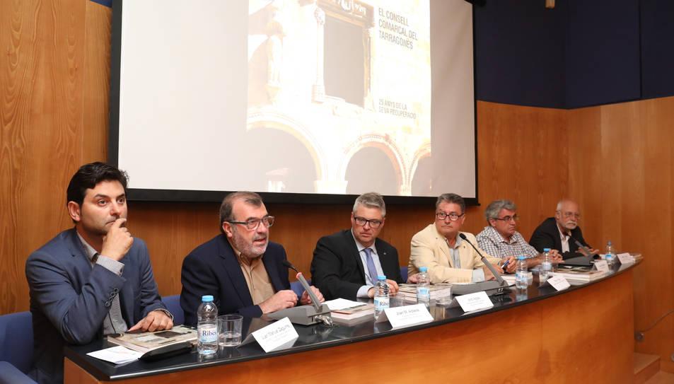 El llibre va ser presentat a la seu del Consell Comarcal.