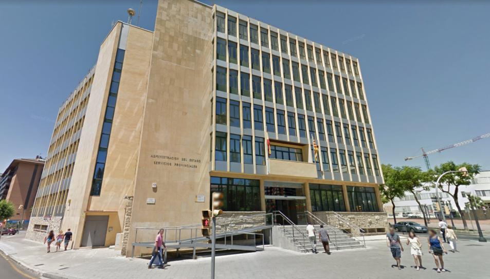 Un total de 505 places seran per a la Dirección General de Tráfico (DGT). A la imatge, la seu de la DGT a Tarragona.