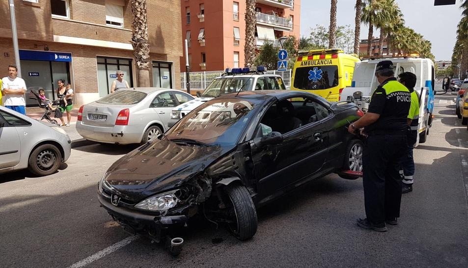 La Policia Local ha retirat el vehicle.