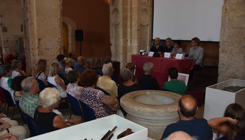Durant l'acte celebrat ahir, també es presentà el llibre L'ofici de boter, de Gabriel Comes.