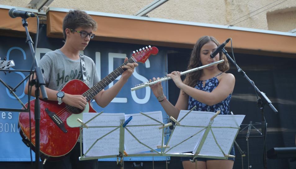 Estudiantes de la Escuela de Música de la Selva del Camp actúan en el Racó de la Palma