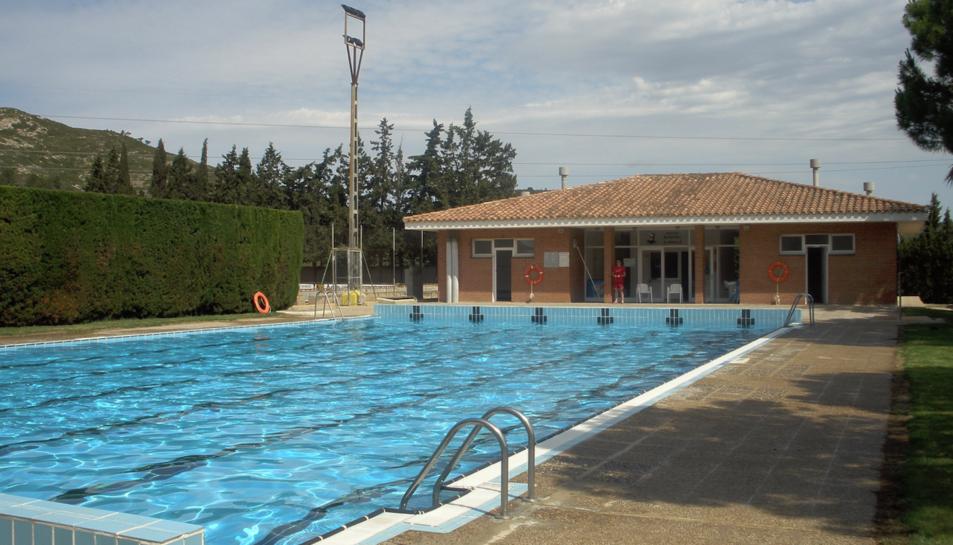 Imatge de la piscina municipal del Perelló.