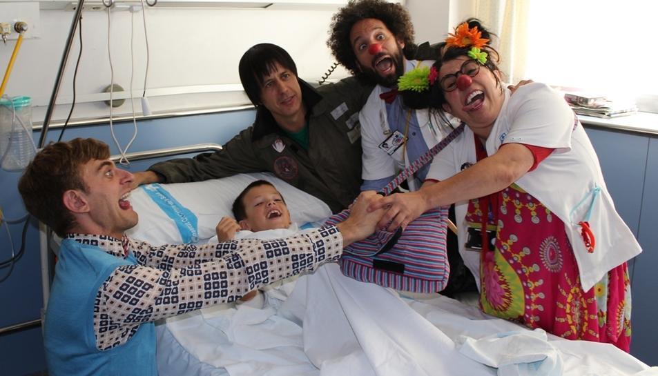 En Pau i en Rick del Club Super 3, junt als pallassos de Pallapupas, han tret un somriure als infants.