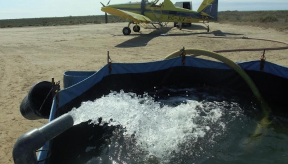 El CODE ha dut a terme tractaments aeris contra els mosquits als nuclis urbans del delta de l'Ebre.