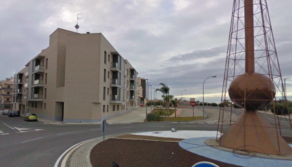 L'accident s'ha produït a la piscina comunitàira d'aquests blocs d'habitatges del carrer Osca.