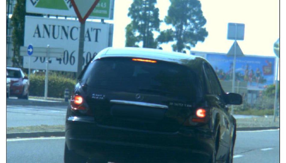 Foto del radar que va enxampar el vehicle circulant a una velocitat molt superior a la permesa.