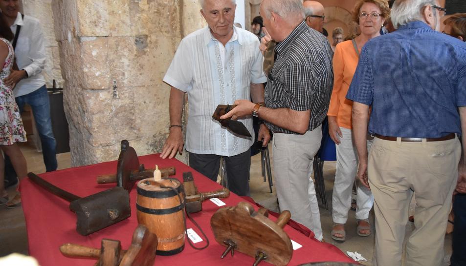 Imatge de l'acte d'inauguració de l'exposició sobre l'ofici dels boters.