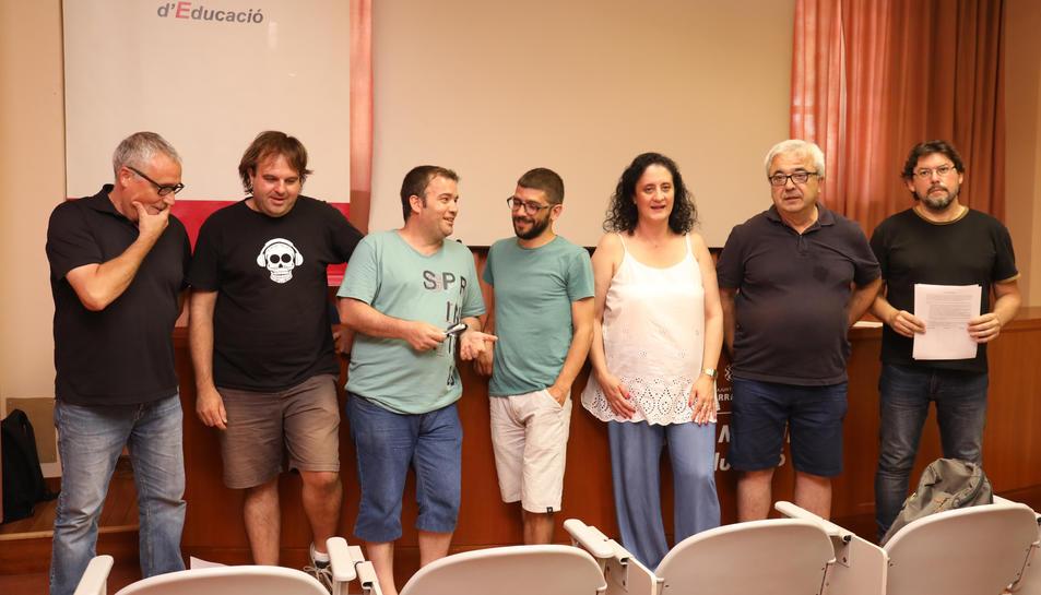 Alguns dels treballadors municipals que s'han mobilitzat en contra de la moció presentada pel Partit Socialista.