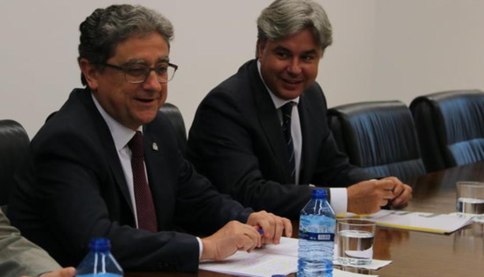 Pla mig del delegat del govern espanyol a Catalunya, Enric Millo, amb el subdelegat a Tarragona, Jordi Sierra.