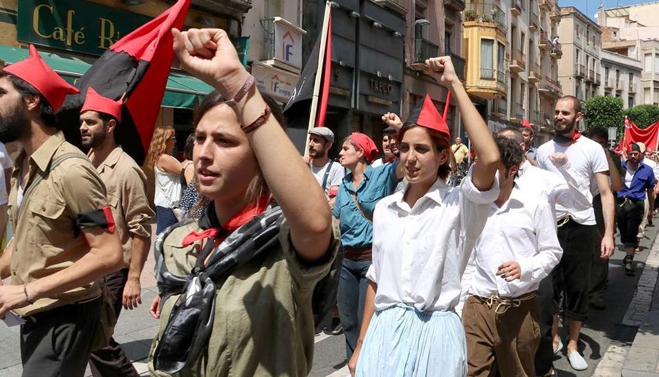 Recreació d'un grup de milicians en la marxa al front.