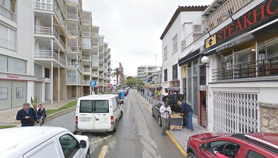 La detenció del jove es va produir al carrer de Girona, on residia.