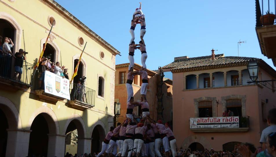 2de8f dels Xiquets de Tarragona a la Diada de les Cultures celebrada a la plaça del Pou.